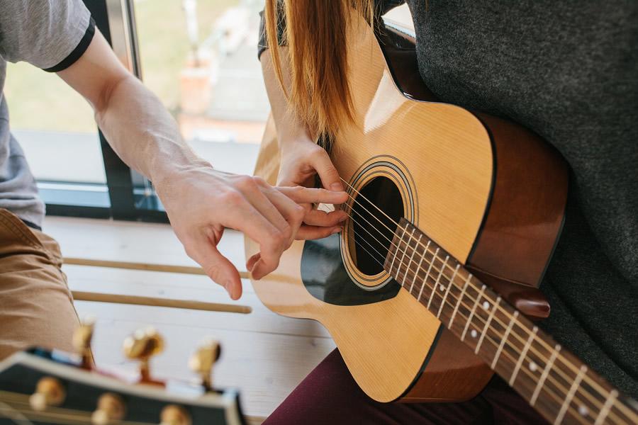 اموزش رایگان گیتار پاپ
