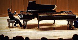 نوازندگی پیانو